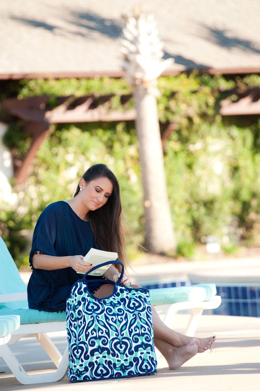 luna lagoon beach bag